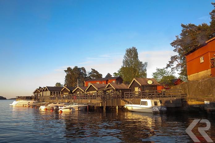 The dock at Fjäderholmarna.